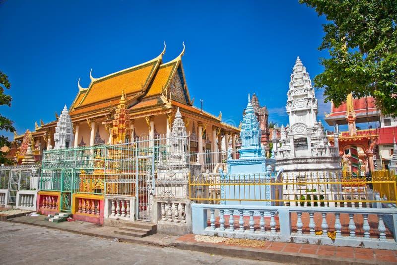 Templo budista ricamente ornamented, Phnom Penh, Camboja imagem de stock