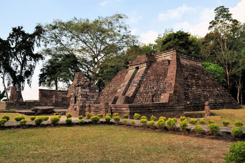 Templo cerca de Solokarta, Java de Candi Sukuh Hindu fotos de archivo libres de regalías