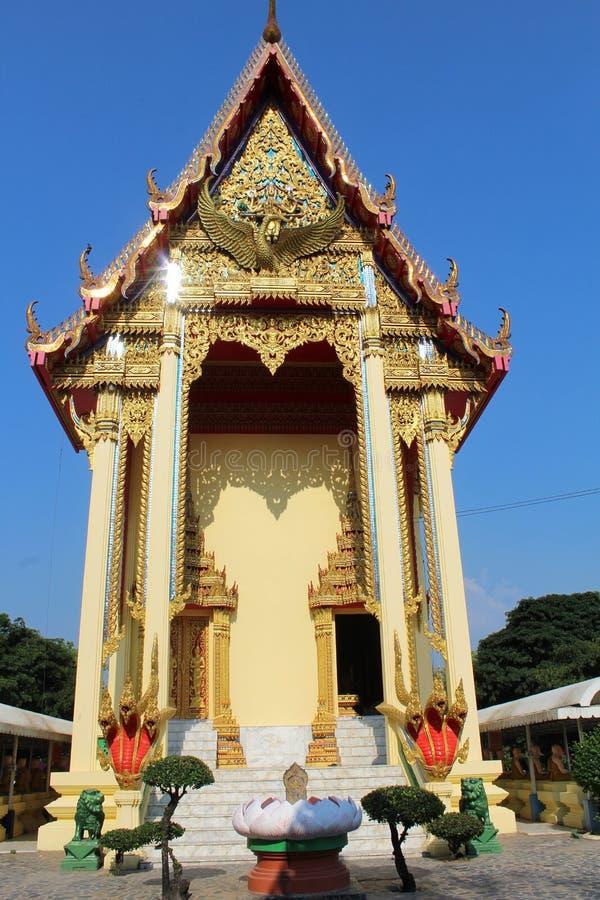 Templo chinês em Wat Muang em Ang Thong, Tailândia foto de stock
