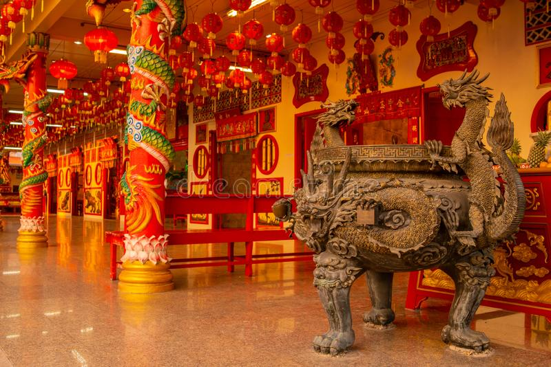 Templo chino en la ciudad de Phuket, Tailandia imagenes de archivo