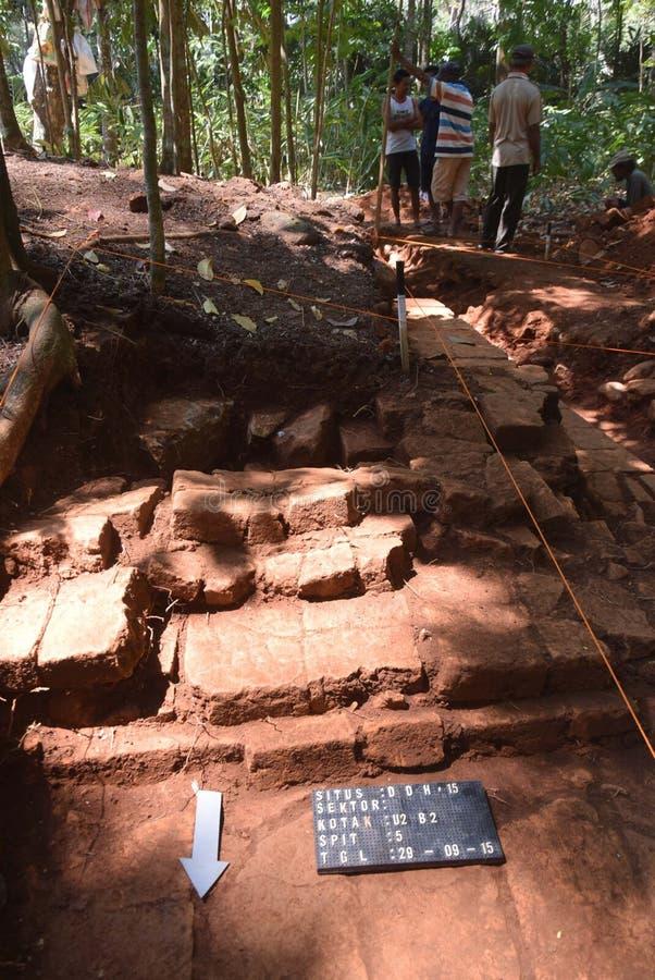 TEMPLO da escavação da CONSTRUÇÃO fotografia de stock