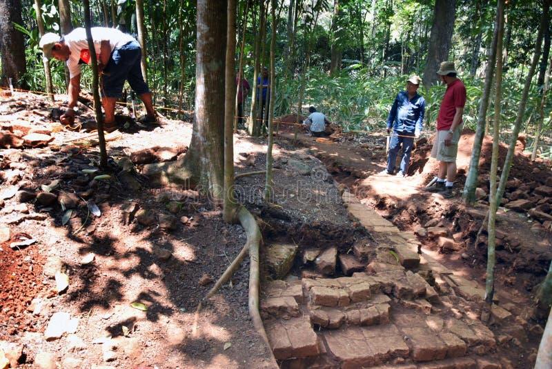 TEMPLO da escavação da CONSTRUÇÃO fotografia de stock royalty free