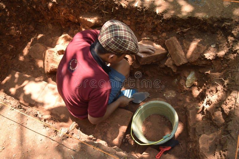 TEMPLO da escavação da CONSTRUÇÃO fotos de stock royalty free