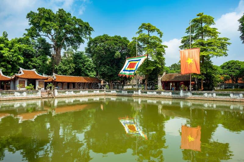 Templo da literatura em Hanoi foto de stock