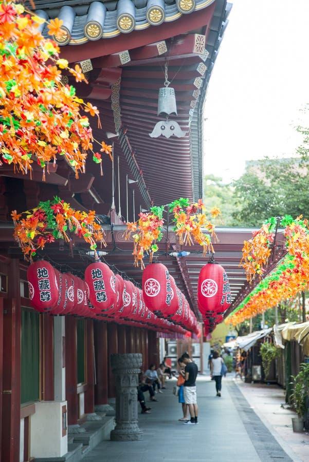 Templo da relíquia de Toothe da Buda no bairro chinês em Singapura, com Singa fotografia de stock