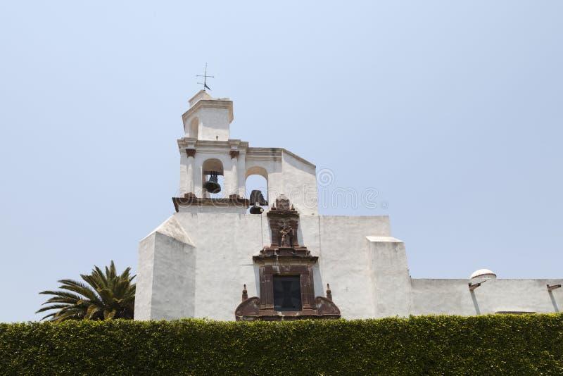 Πύργος κουδουνιών στο Templo de Σαν Φρανσίσκο, SAN Miguel de Allende στοκ εικόνα με δικαίωμα ελεύθερης χρήσης