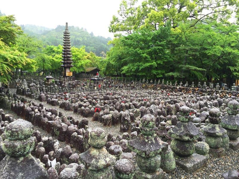 Templo de Adashino Nenbutsuji dentro foto de archivo libre de regalías