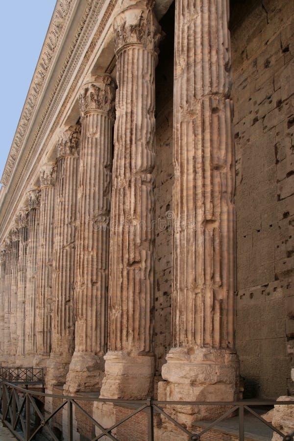 Templo de Adrian do imperador fotografia de stock royalty free