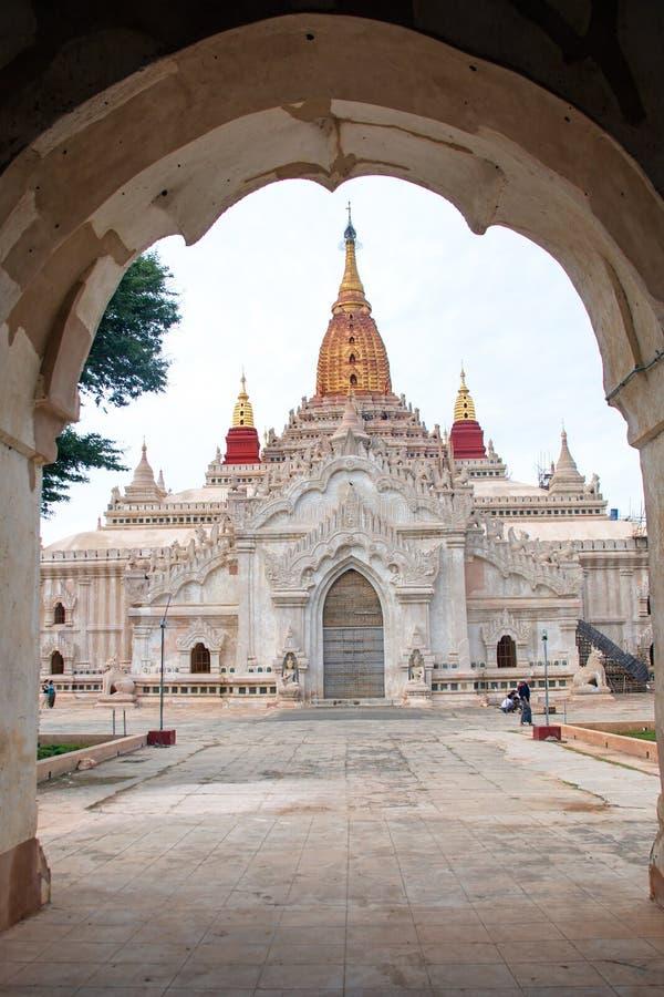 Templo de Ananda em Bagan, Myanmar foto de stock