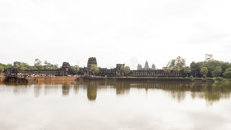 Templo de Angkor, Angkor Wat - un complejo gigante del templo hindú en Camboya, foto de archivo libre de regalías