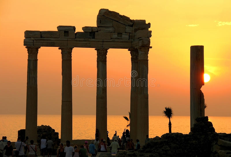 Templo de Apollo no lado fotos de stock