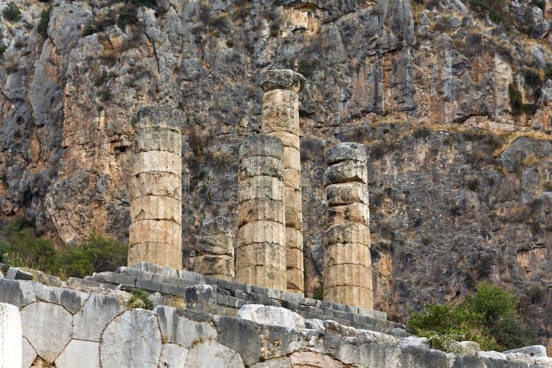 Templo de Apollo no oracle s archaeological de Delphi foto de stock