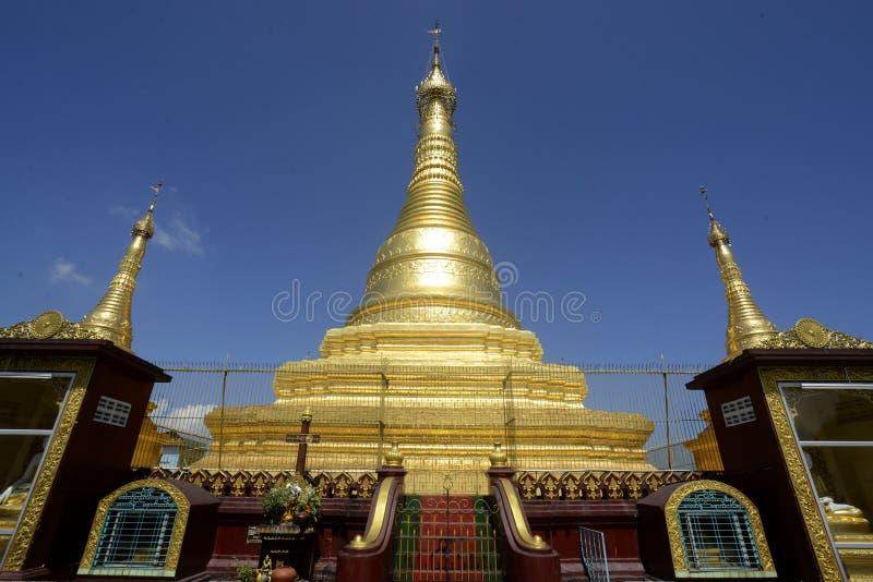 TEMPLO DE ASIA MYANMAR MYEIK foto de archivo