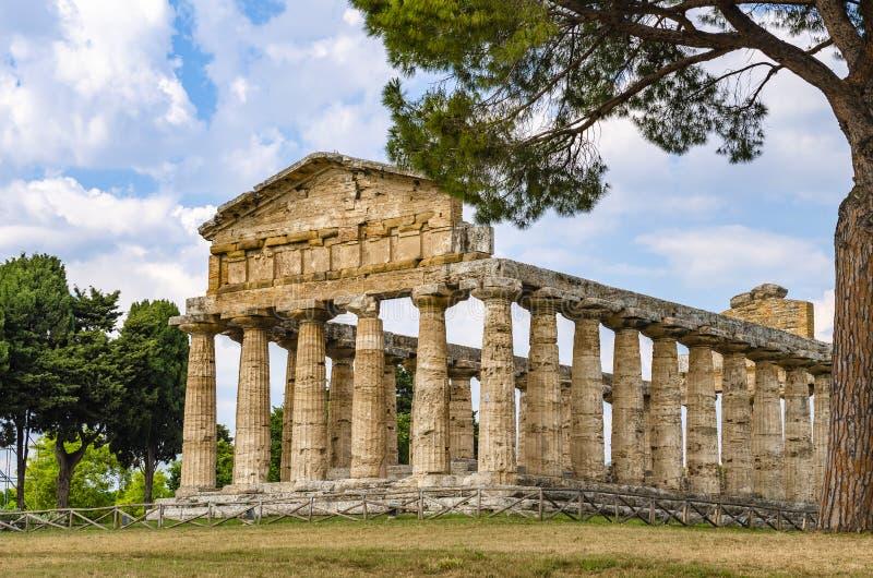Templo de Athena em Paestum foto de stock