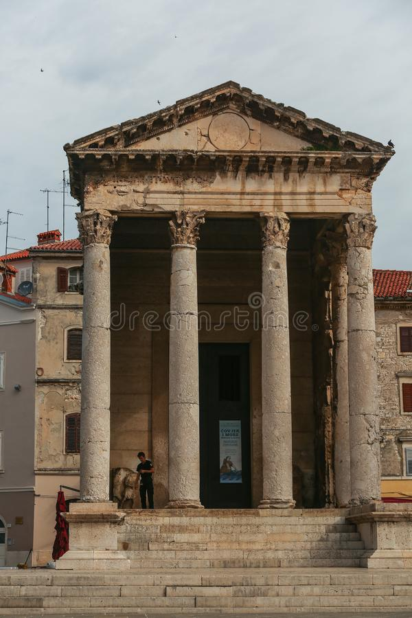 Templo de Augustus nos Pula fotografia de stock