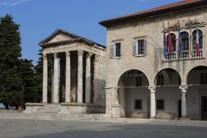 Templo de Augustus - Pula - Croácia fotografia de stock royalty free