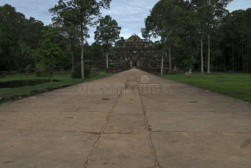 Templo de Baphuon, templo budista do khmer em Angkor Thom City do século XI, no complexo de Angkor Wat perto de Siem Reap, Camboj fotos de stock royalty free