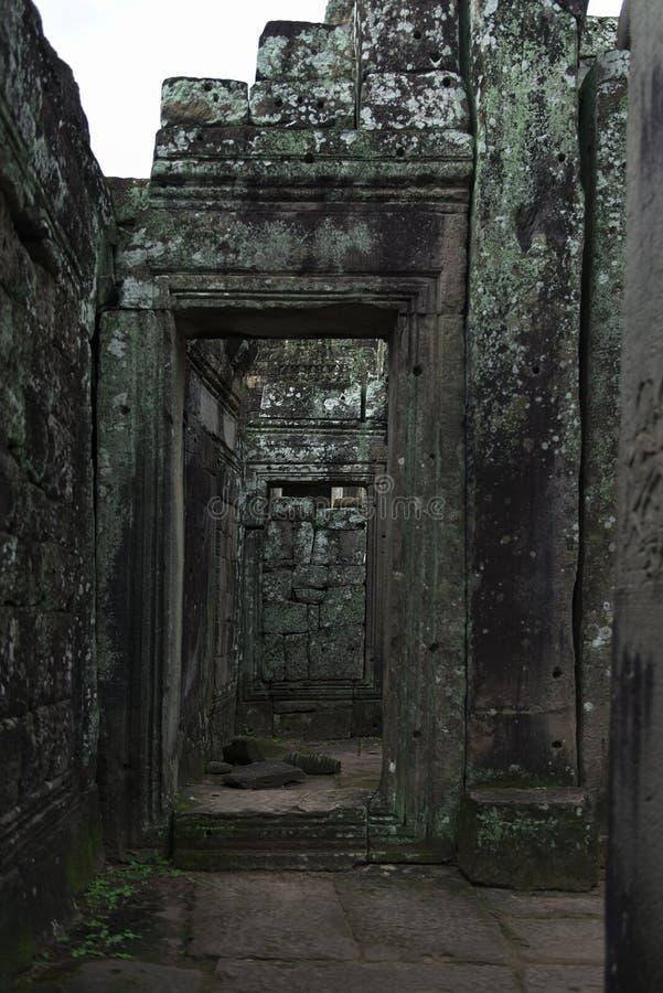 Templo de Bayon, templo budista del khmer en Angkor Thom City a partir del siglo XI, en el complejo de Angkor Wat, Siem Reap, Cam foto de archivo