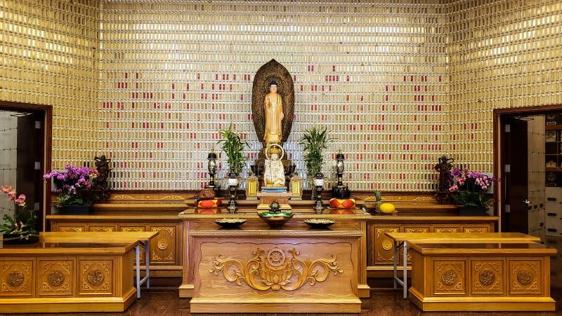 Templo de Buda en oro imágenes de archivo libres de regalías