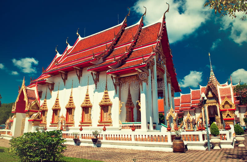 Templo de Chalong em Phuket foto de stock