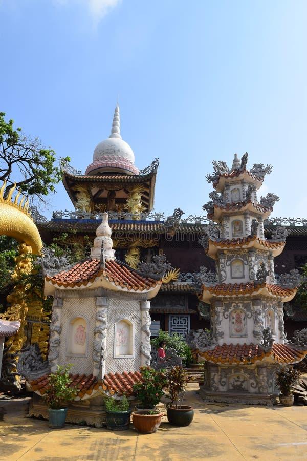 Templo de Chau Thoi na província de Binh Duong, Vietname fotografia de stock royalty free