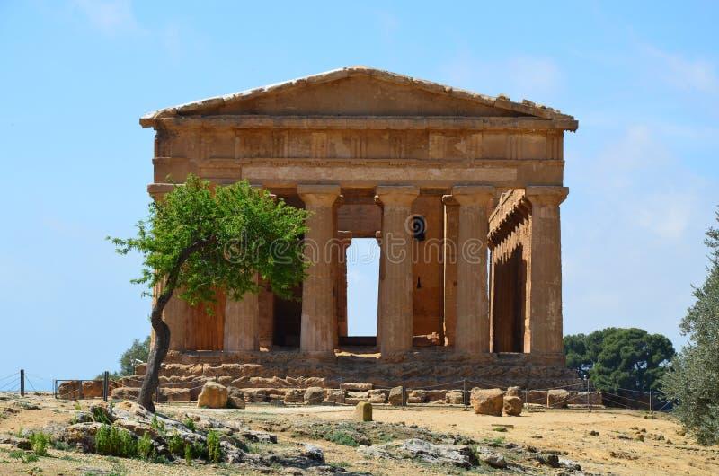 Templo de Concordia en Agrigento, Italia fotos de archivo