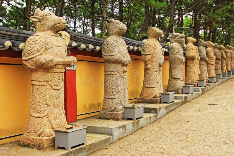 Templo de Corea Busán Haedong Yonggungsa fotos de archivo
