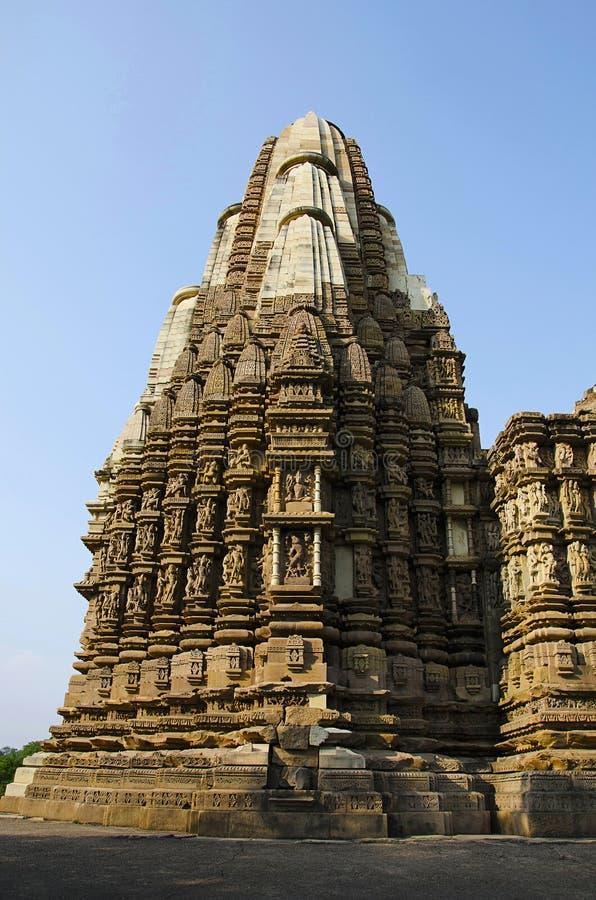 TEMPLO de DULADEO, fachada - visión general, grupo meridional, Khajuraho, Madhya Pradesh, sitio del patrimonio mundial de la UNES foto de archivo libre de regalías