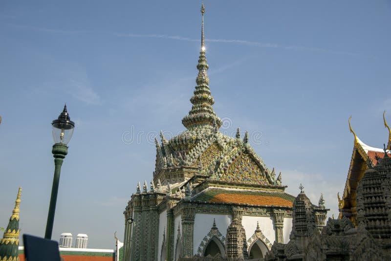 Templo de Emerald Buddha, pal?cio grande, Banguecoque, Tail?ndia imagens de stock royalty free