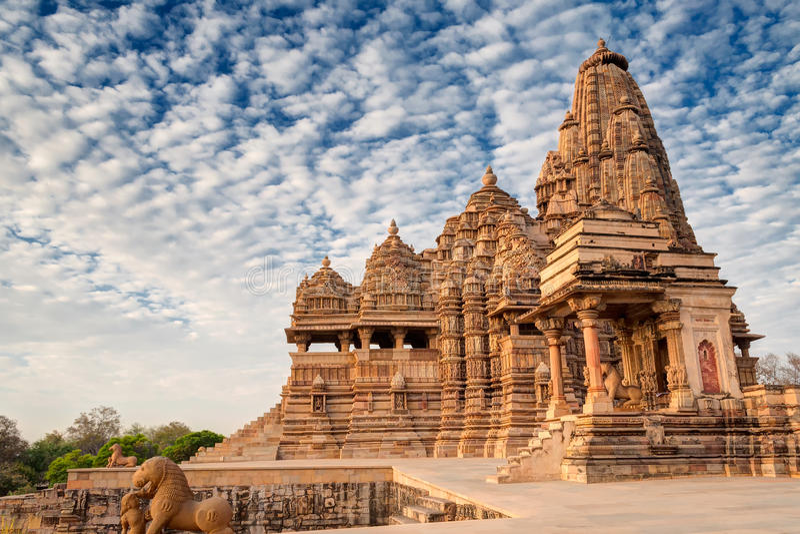 Templo de Kandariya Mahadeva, Khajuraho, local do patrimônio mundial do Índia-UNESCO imagem de stock royalty free