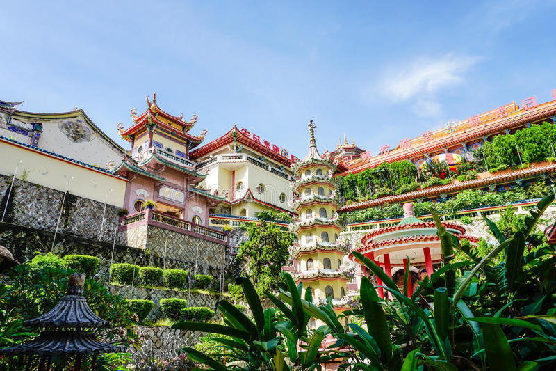 Templo de Kek Lok Si em Georgetown na ilha de Penang, Malásia imagens de stock royalty free