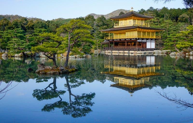 Templo de Kinkaku-ji em Kyoto, Jap?o fotografia de stock royalty free