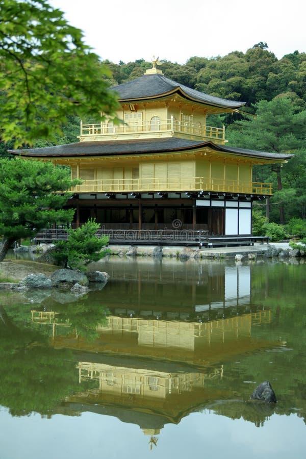 Templo de Kinkakuji imagenes de archivo