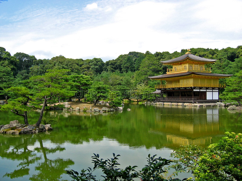 Templo de Kinkakuji foto de archivo