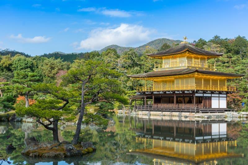 Templo de Kinkakuji (el pabellón de oro) Kyoto, Japón foto de archivo