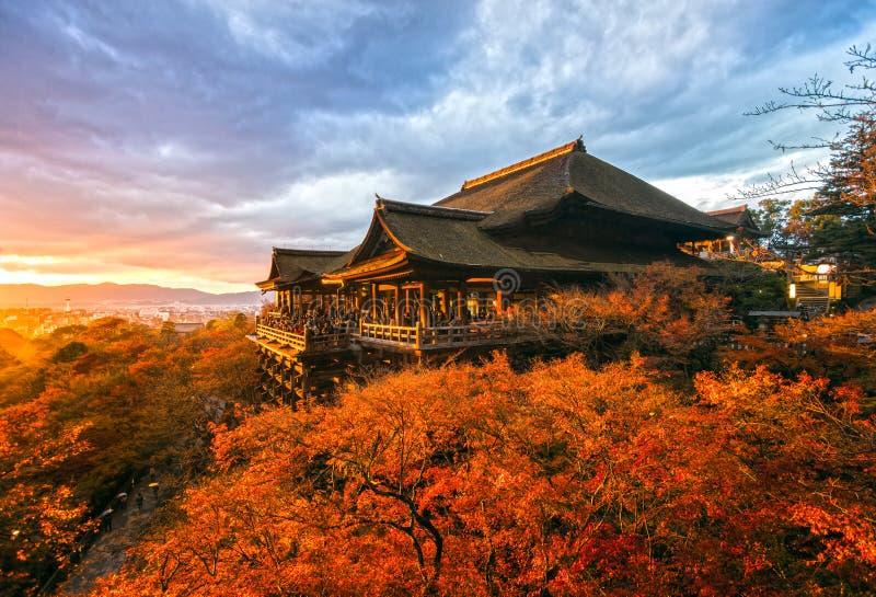 Templo de Kiyomizu-dera em Kyoto, Japão imagem de stock royalty free