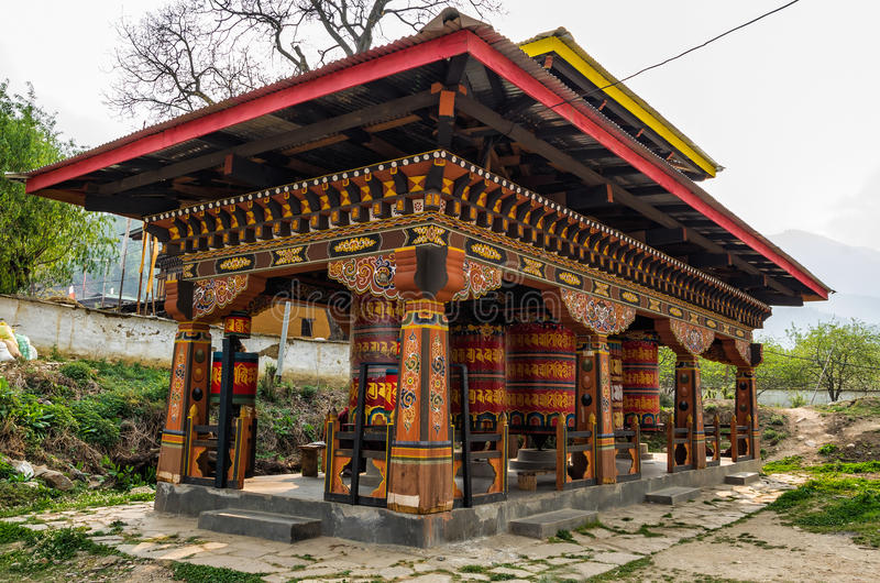 Templo de Kyichu Lhakhang, Paro, Butão imagens de stock royalty free