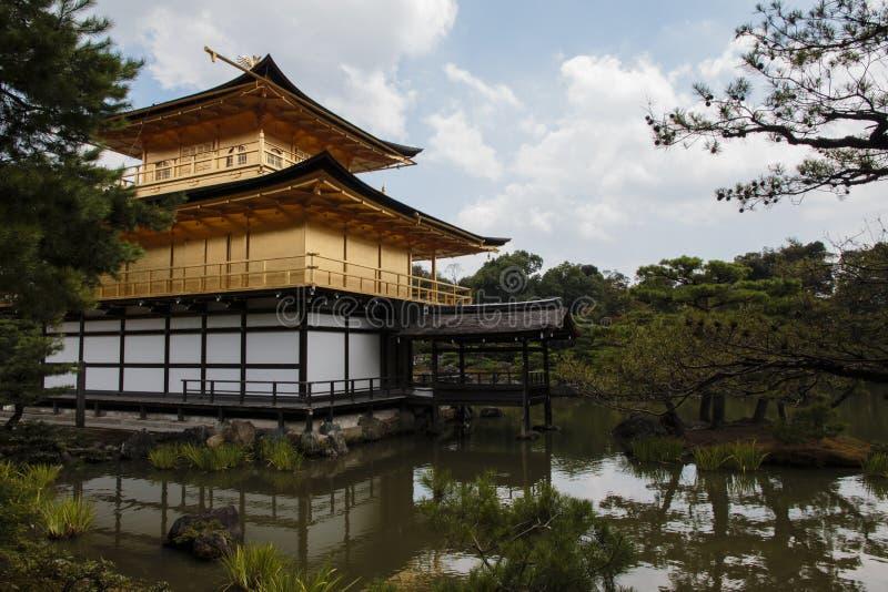 Templo de Kyoto - Kinkaku-ji Rokuon-ji imagens de stock royalty free