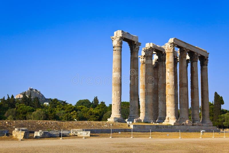 Templo de la colina de Zeus y de Lycabettus en Atenas imagenes de archivo