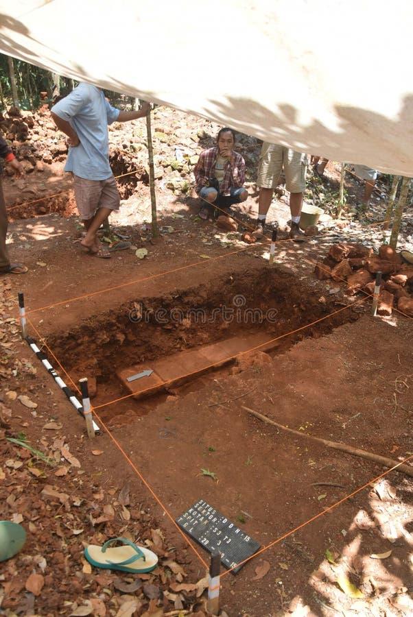 TEMPLO de la excavación del EDIFICIO foto de archivo