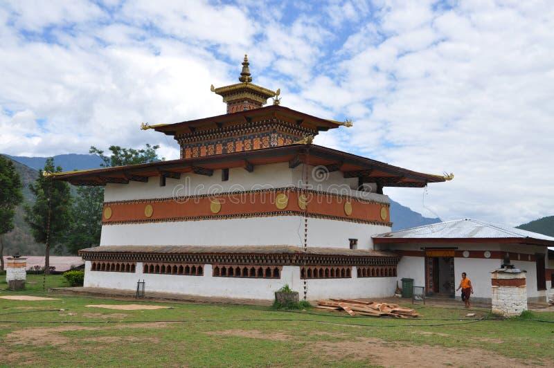 Templo de Lahkhang do carrilhão em Butão foto de stock royalty free