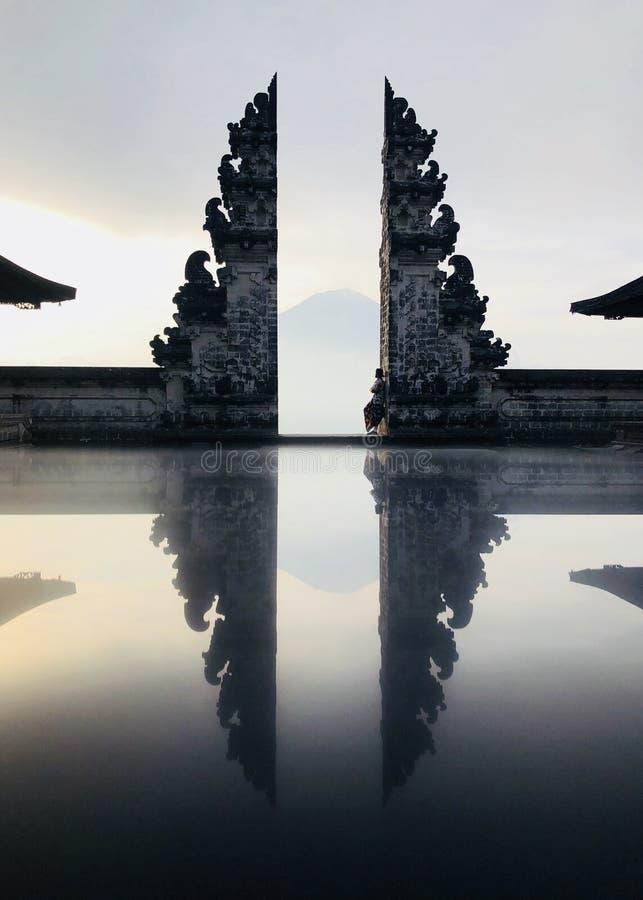 Templo de Lempuyang em Bali imagem de stock royalty free