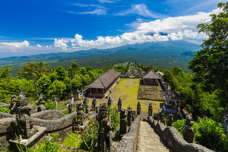 Templo de Lempuyang - ilha Indonésia de Bali fotografia de stock