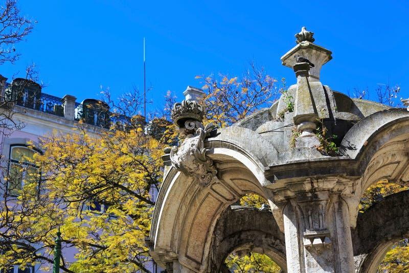 Templo de Lisboa, Portugal en largo hacer a Carmen fotografía de archivo