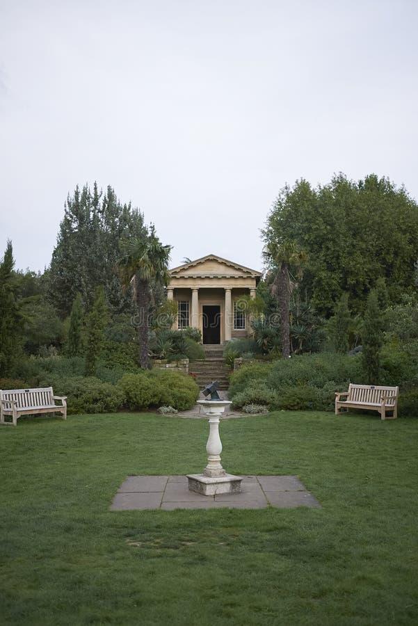 Templo de los jardines de Kew fotos de archivo