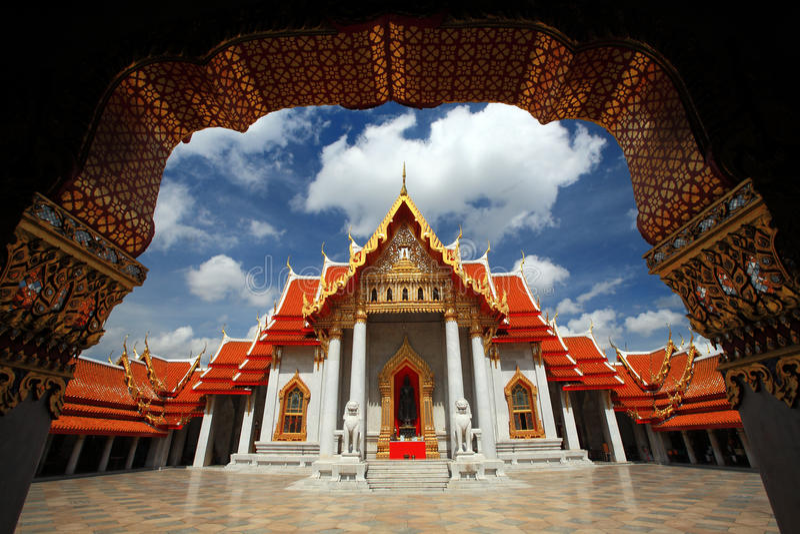 Templo de mármore Banguecoque Tailândia fotografia de stock royalty free