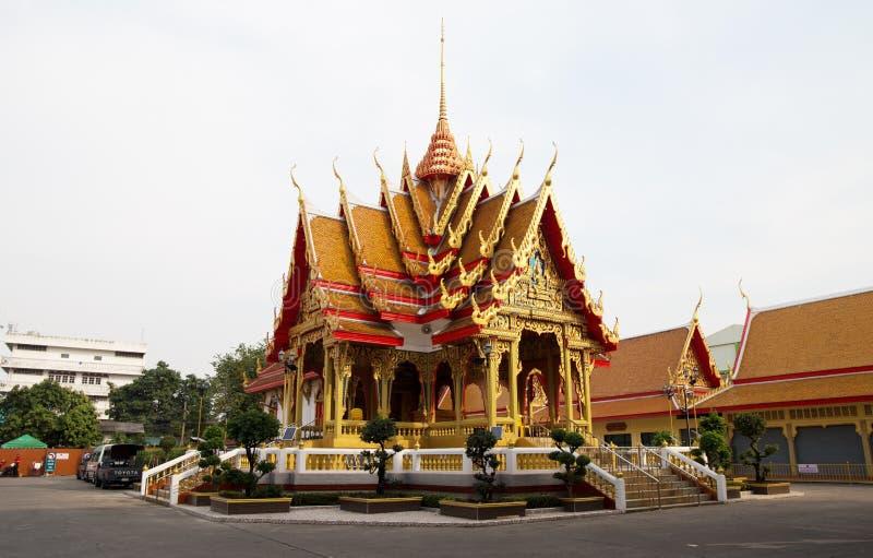 Templo de Mahabut, Maha But Temple - Mae Nak Shrine, Banguecoque, Tailândia fotos de stock