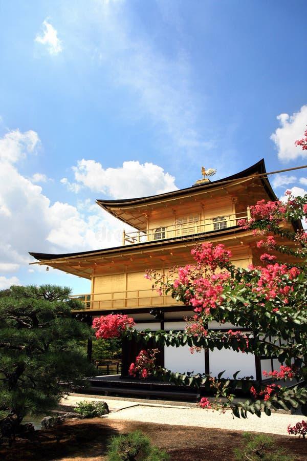 Templo de oro de Jinkakuji, Japón fotos de archivo