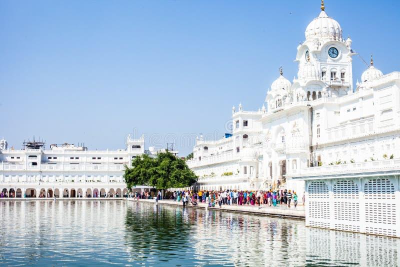 Templo de oro del gurdwara sikh (Harmandir Sahib). Amritsar, Punjab, la India fotos de archivo libres de regalías