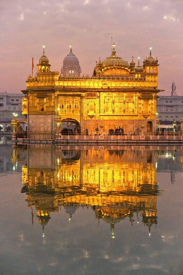Templo de oro en Amritsar fotos de archivo libres de regalías
